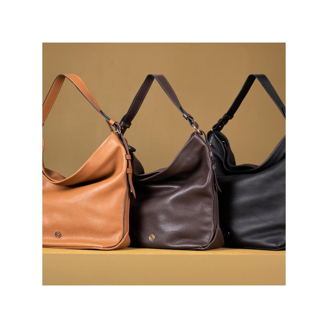 Na Coleção Soft de Bolsas Outono 2020, utilizou-se uma palheta de cores neutras para atender a necessidade de nossas clientes que amam bolsas atemporais e sofisticadas.